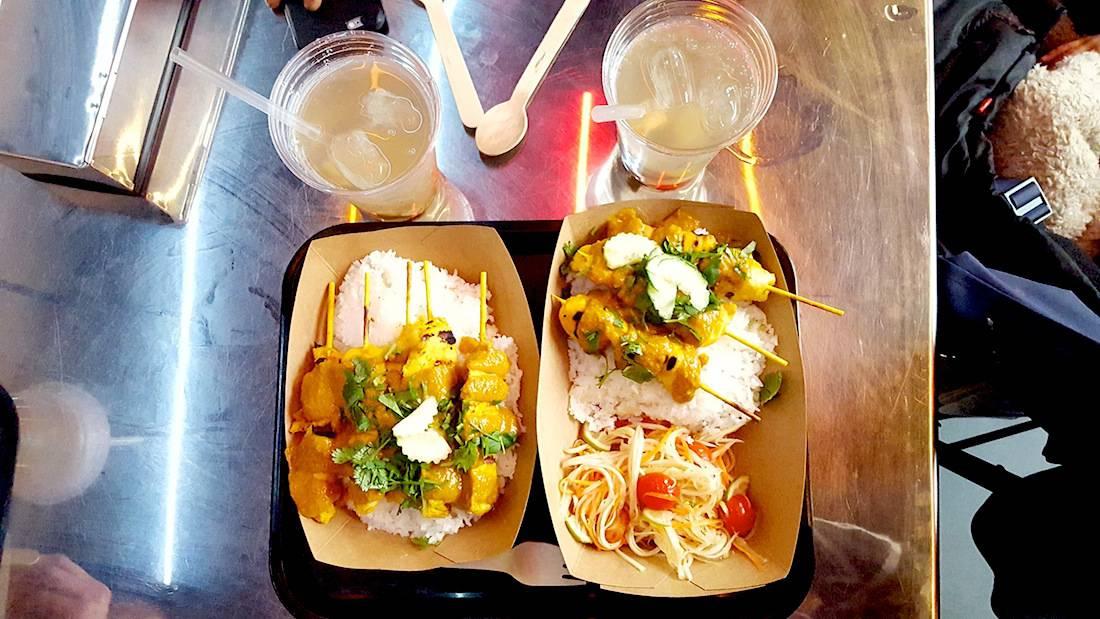 resto-thai-street-food-local-bangkok