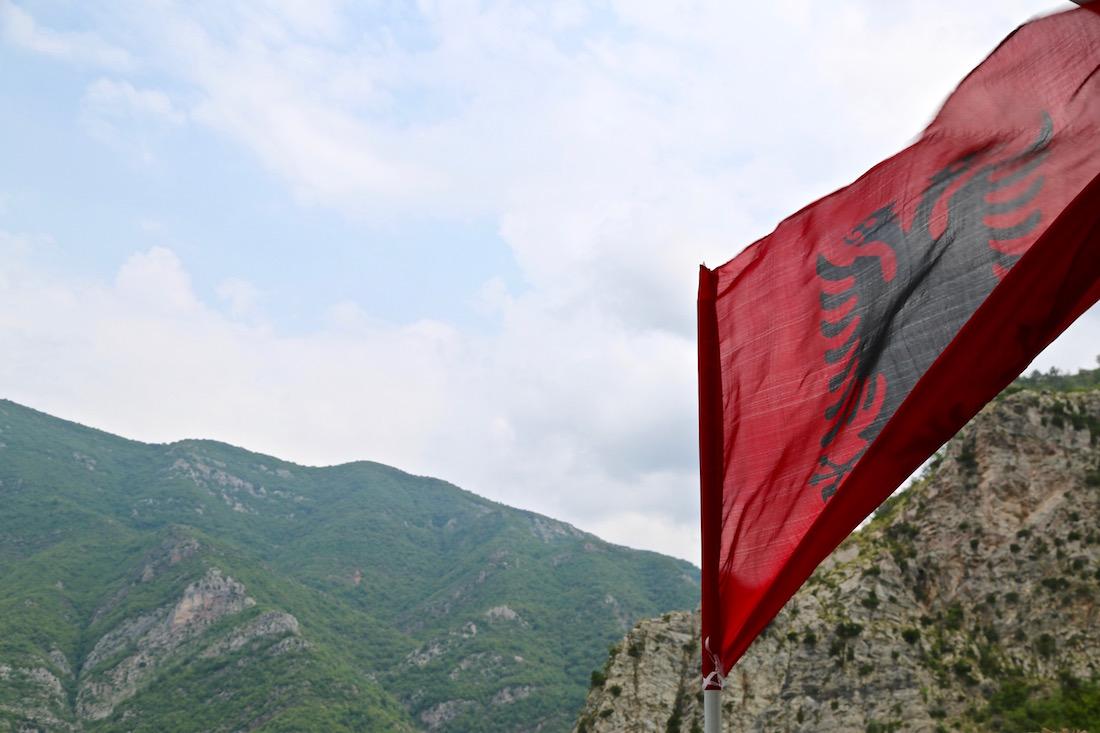 guide-koman-lac-koman-albania