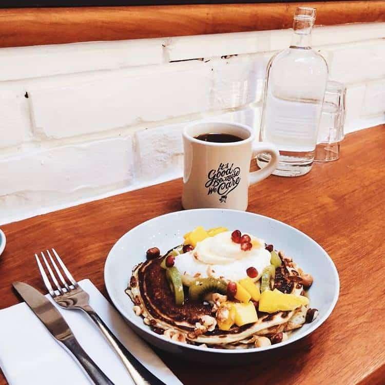 holybelly-cafe-brunch-paris