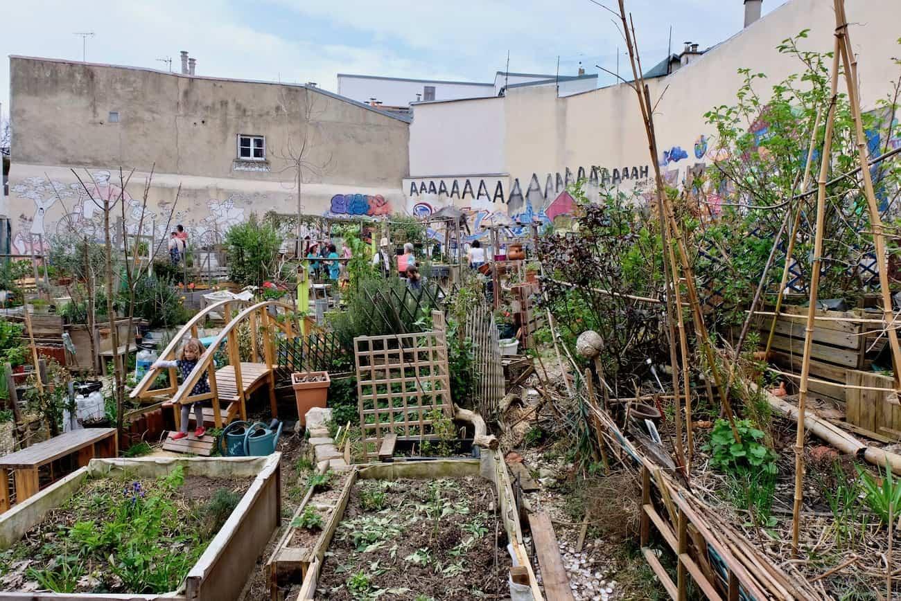 Jardin-de-la-cite-Aubry-paris-20e