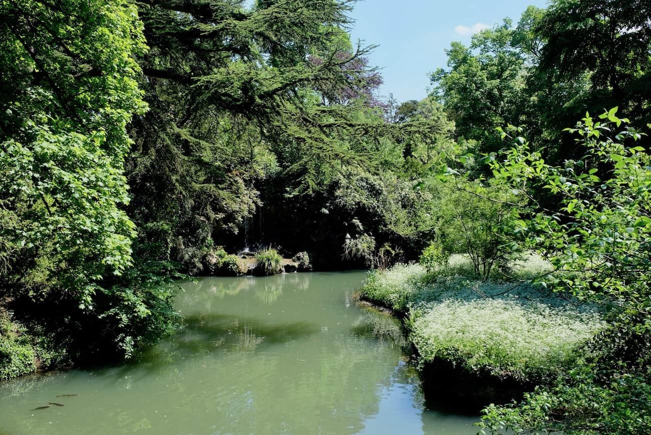 jardin-de-bagatelle-paris16eme-bois-de-boulogne-beau-jardin-parc