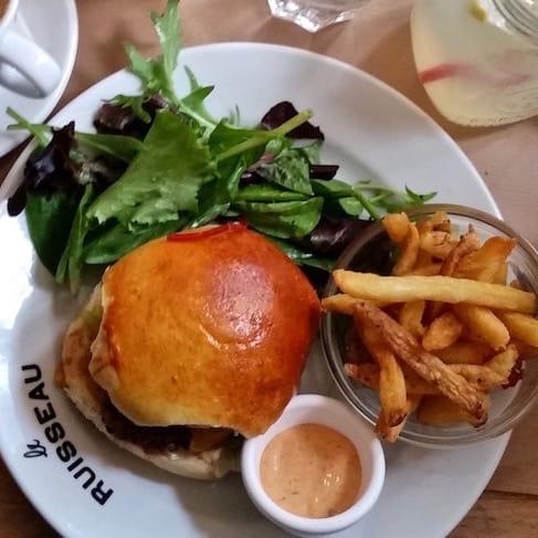 le-ruisseau-burger-brunch-paris18eme