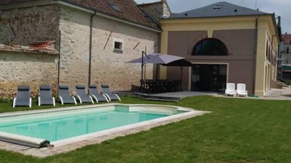chambre-hotes-hotel-piscine-a-cote-de-paris