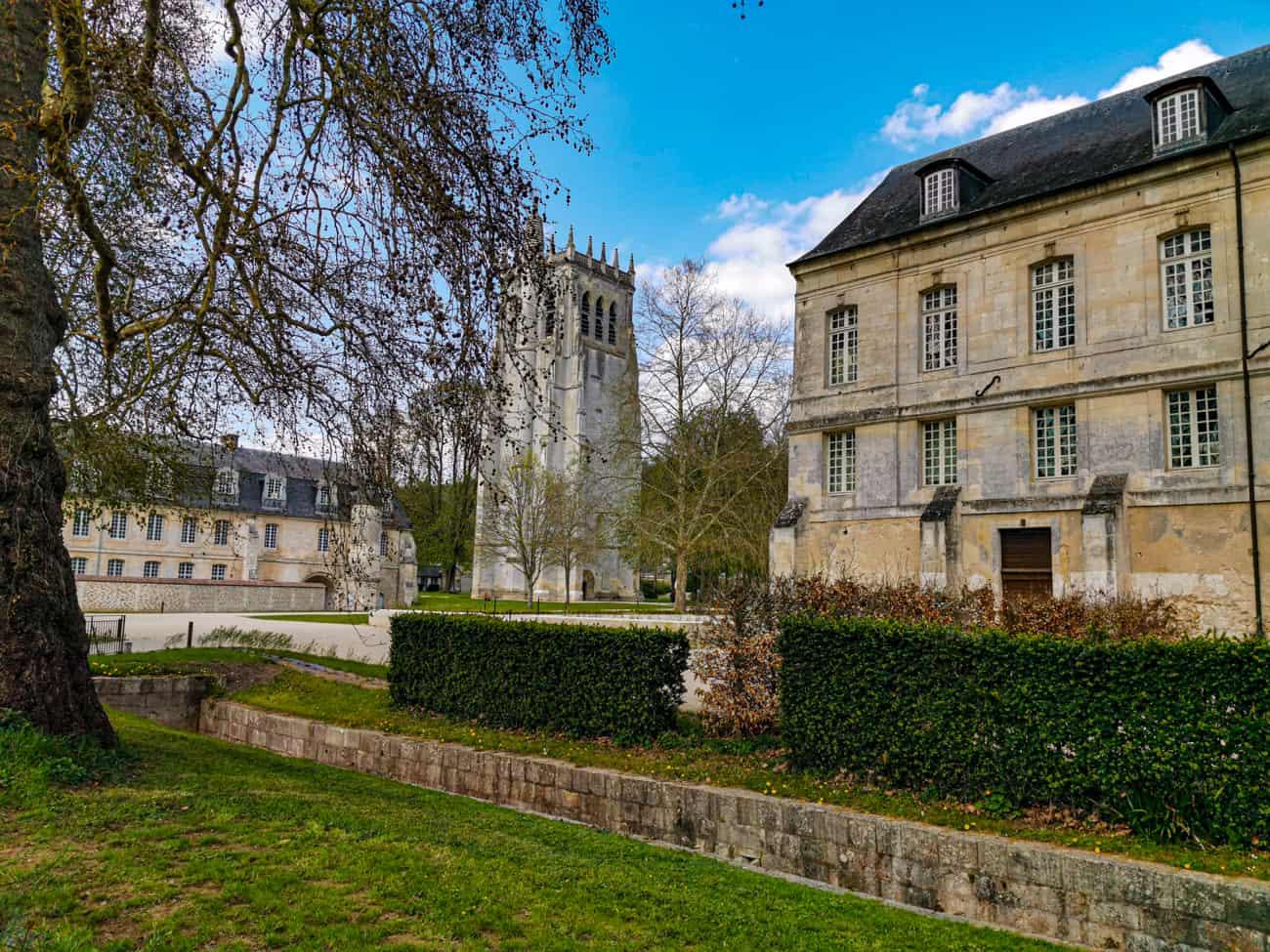 abbaye-bec-hellouin-village-11