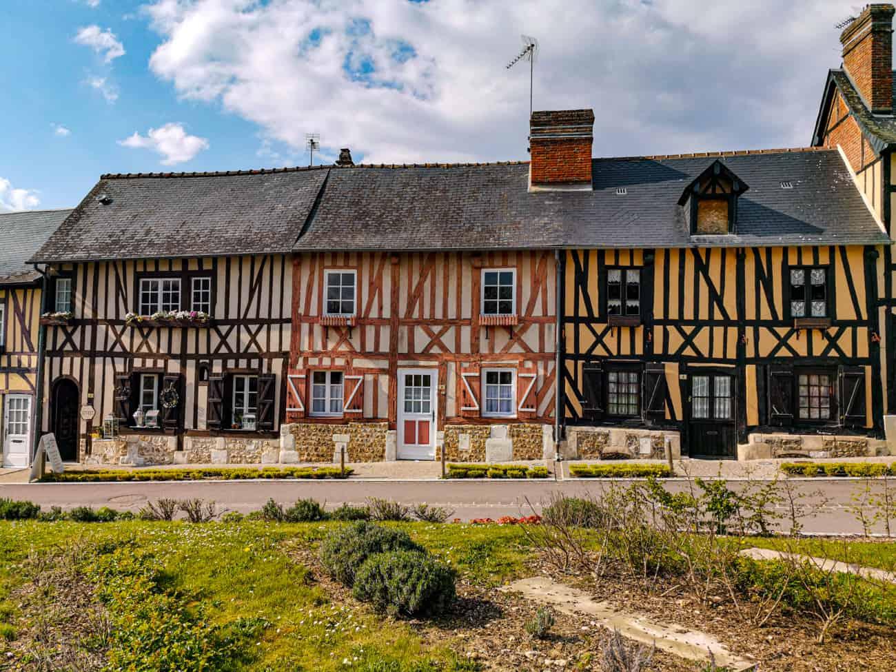 abbaye-bec-hellouin-village-2