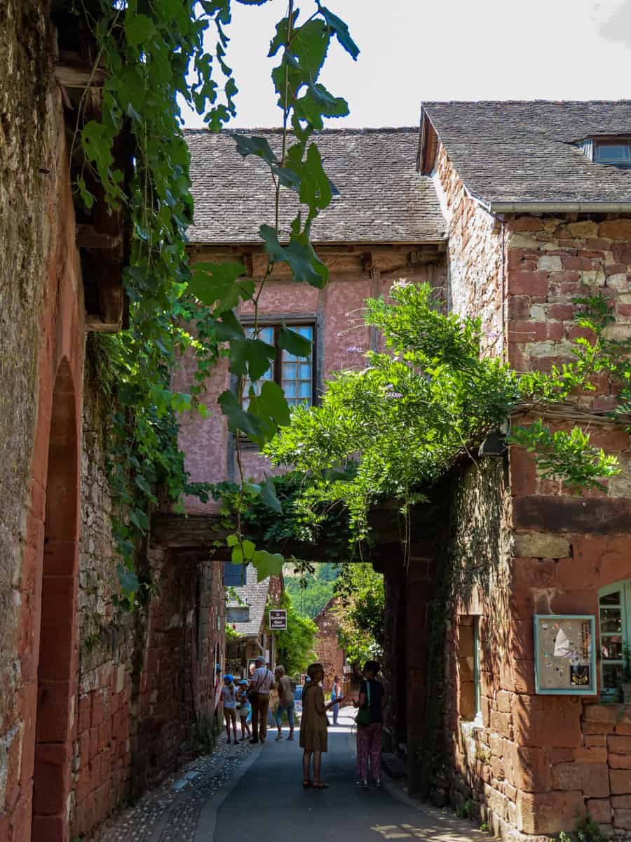 collonges-la-rouge-correze-plus-beau-village-de-france-10