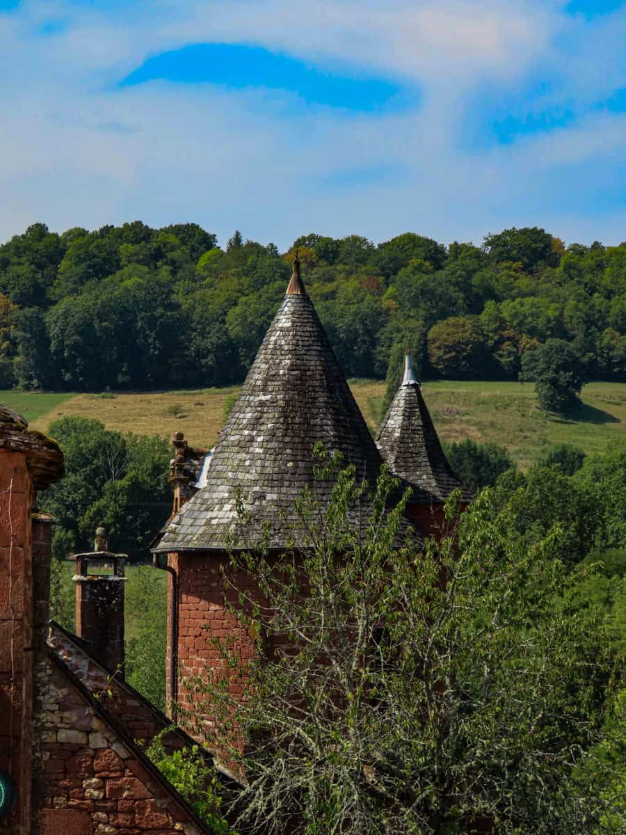 collonges-la-rouge-correze-plus-beau-village-de-france-12