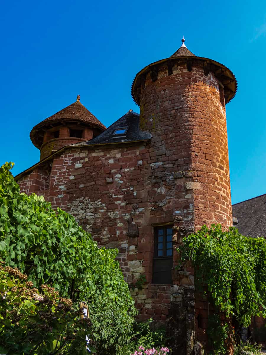 collonges-la-rouge-correze-plus-beau-village-de-france-17