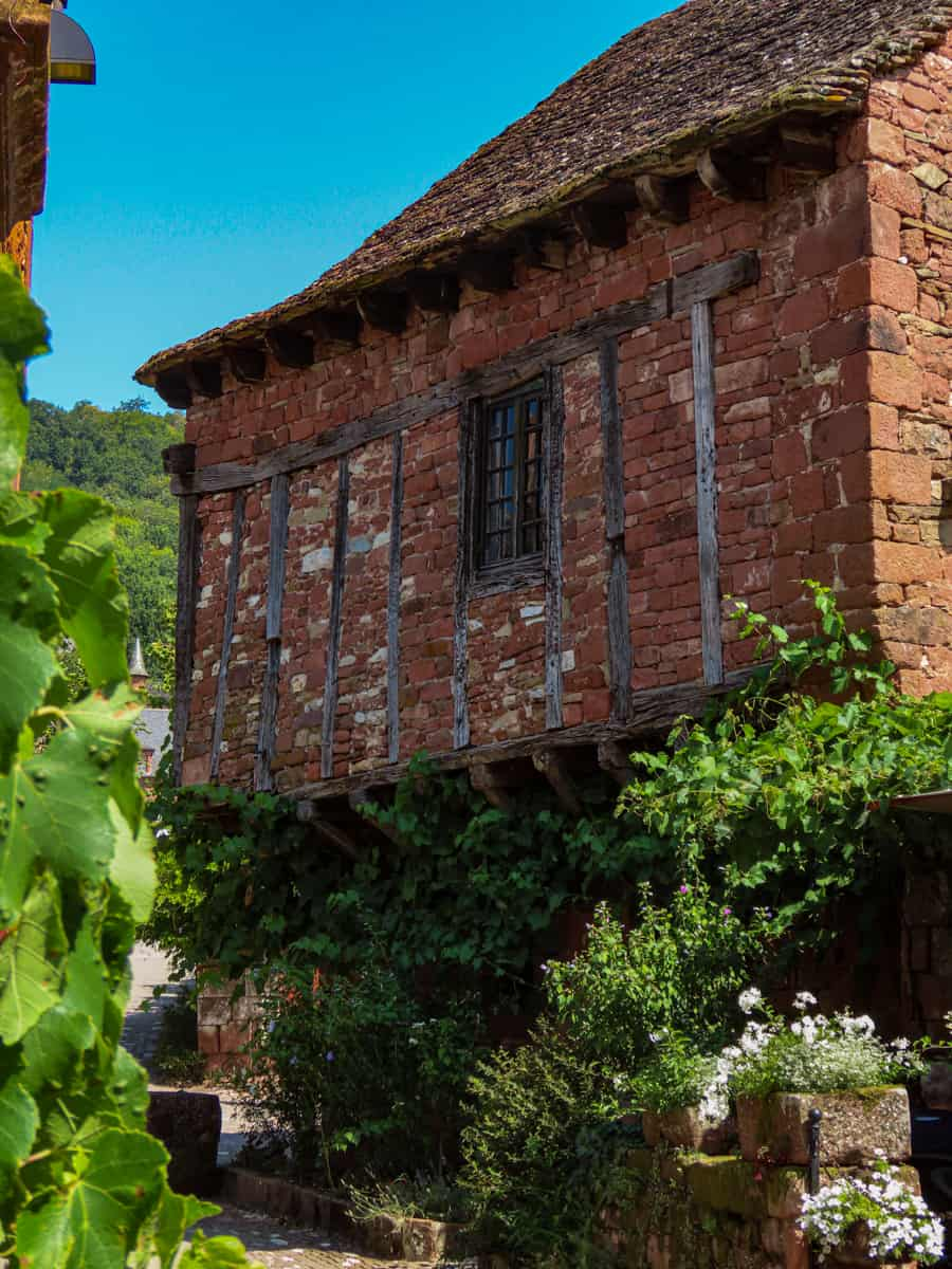 collonges-la-rouge-correze-plus-beau-village-de-france-21