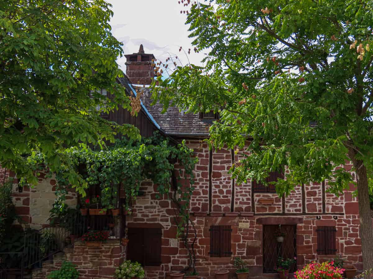 collonges-la-rouge-correze-plus-beau-village-de-france-23