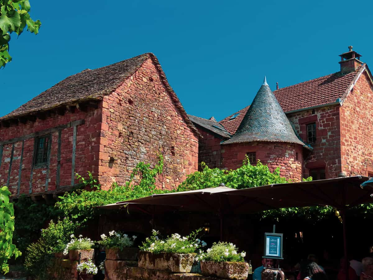 collonges-la-rouge-correze-plus-beau-village-de-france-5