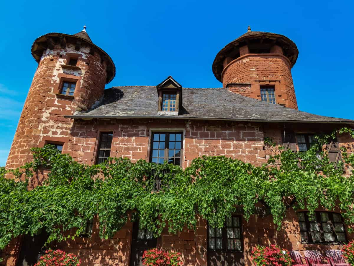 collonges-la-rouge-correze-plus-beau-village-de-france-9