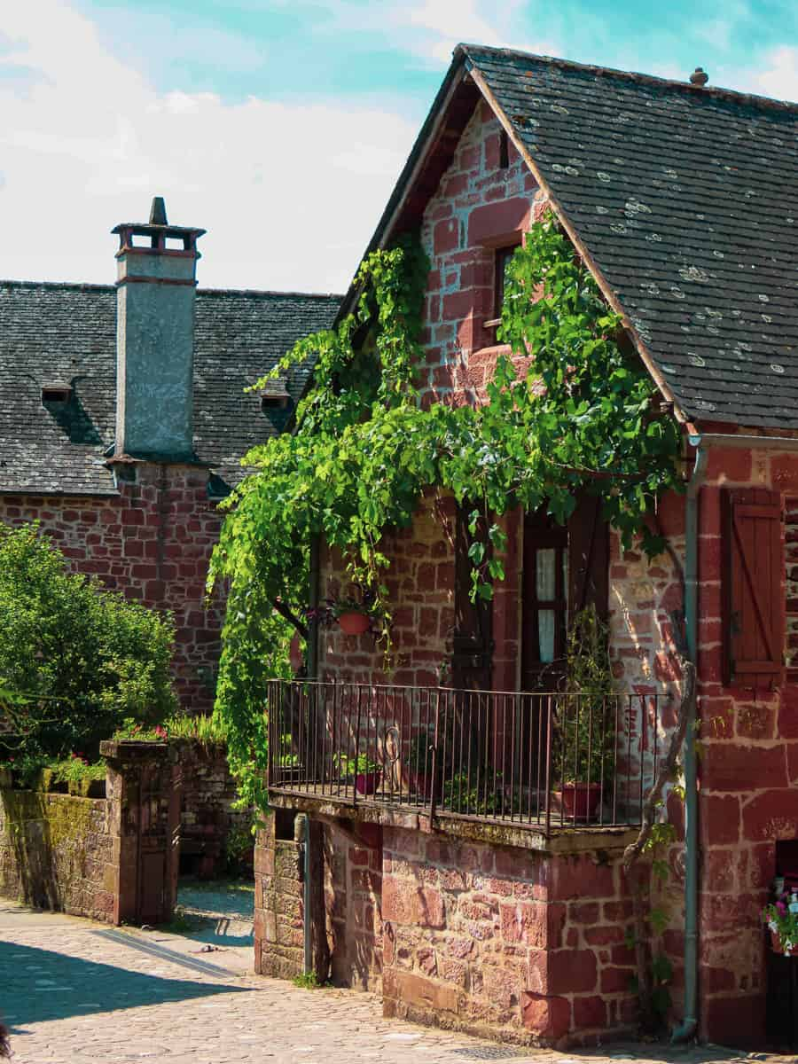 collonges-la-rouge-correze-plus-beau-village-de-france