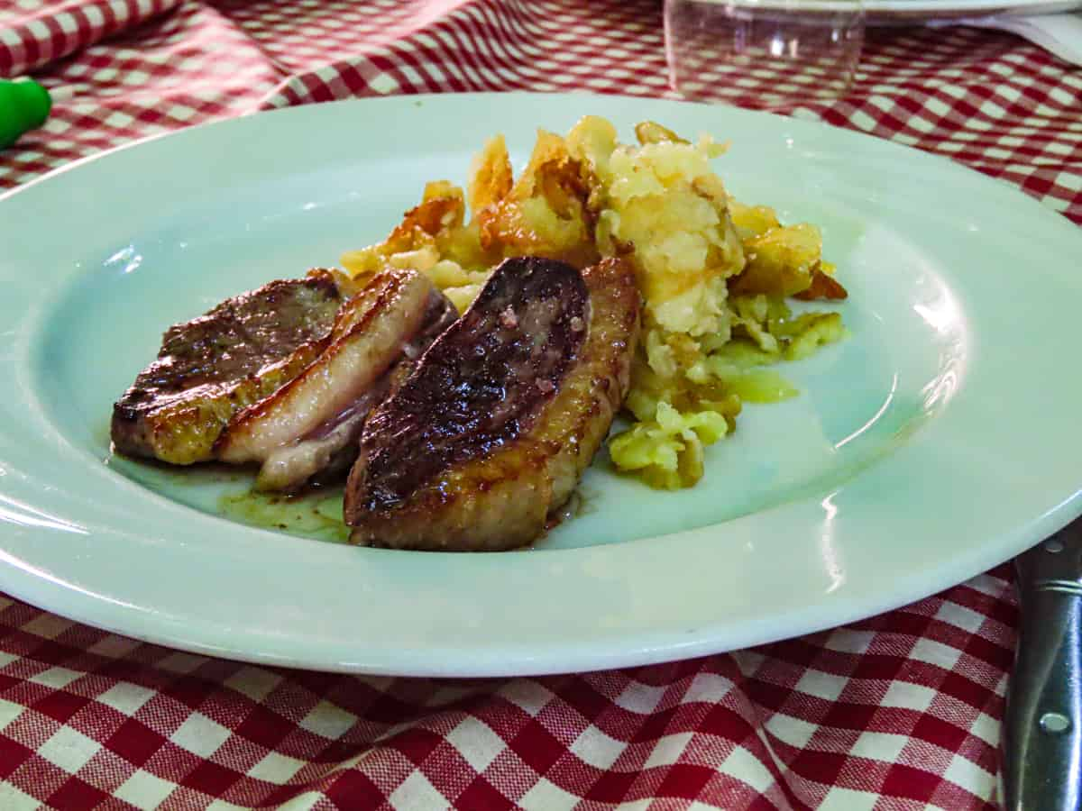 le-cantou-restaurant-collonges-la-rouge-correze-plus-beau-village-de-france-3