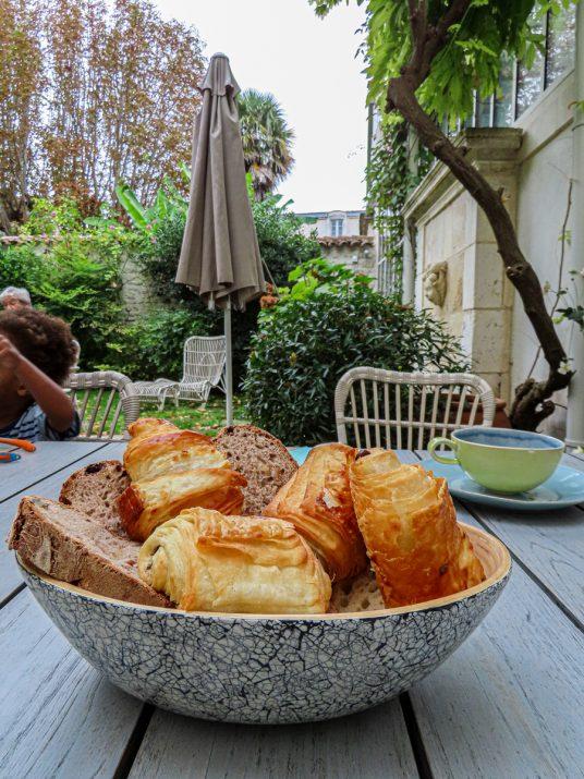 eden-ouest-hotel-la-rochelle-petit-dejeuner-2