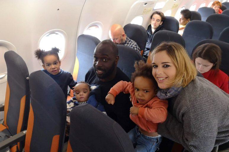 Qu'emporter en avion pour un trajet avec des enfants ?