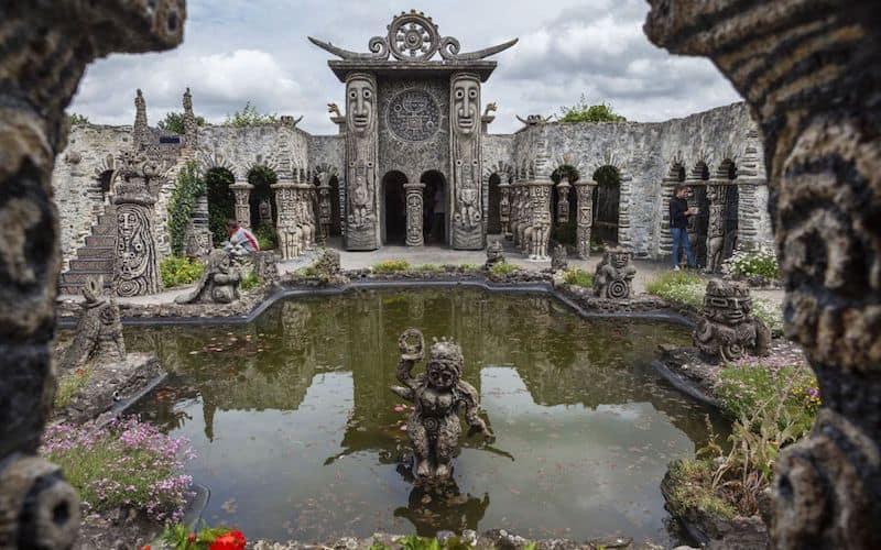 musee-robert-tatin-lieux-insolites-france