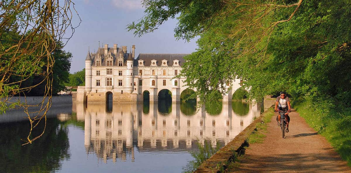 vacances-france-itineraire-velo-canal-deux-mers-la-loire-chateau-de-chenonceau