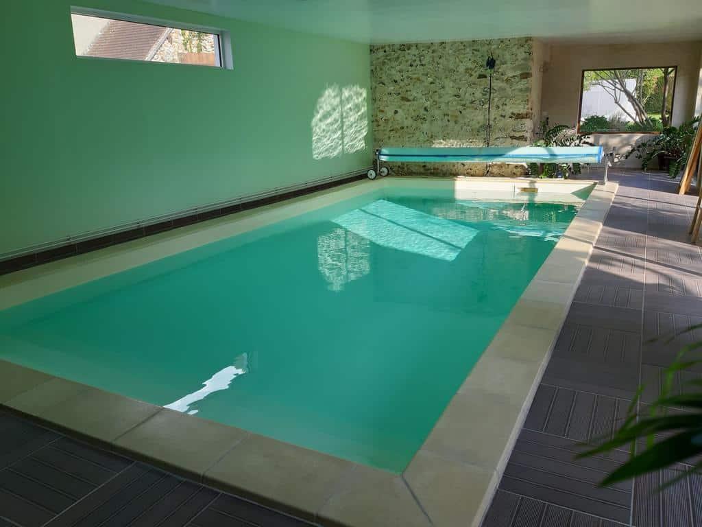 chambre-hotes-famille-1h-paris-piscine-enfant