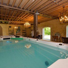 moins-une-heure-paris-hotel-piscine