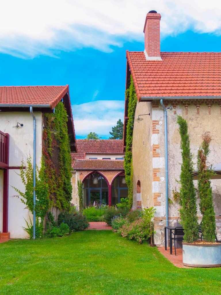 maison-hotes-piscine-2h-paris-centre-loire-proche-chateaux-barboire-04