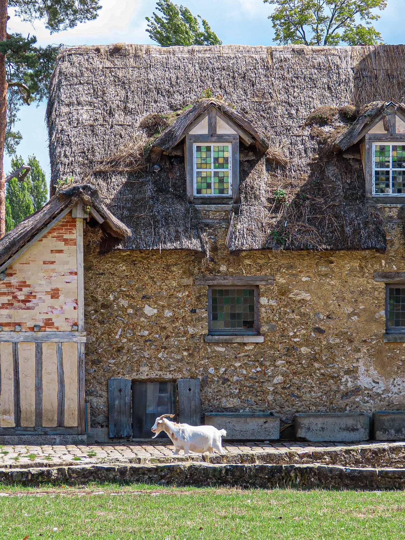 hameau-de-la-reine-balade-moins-1h-paris-sorties