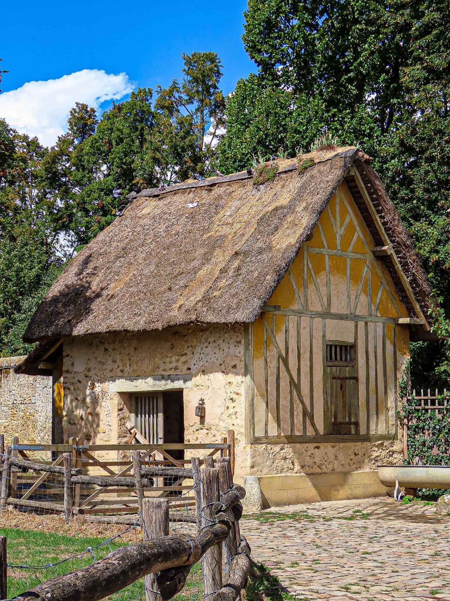 hameau-de-la-reine-balade-voir-moins-1h-paris