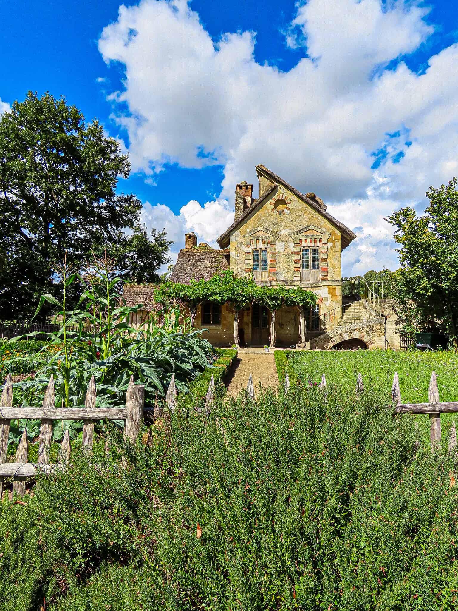 hameau-de-la-reine-versailles-jardin