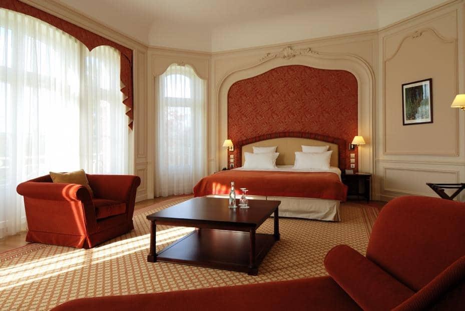 hotel-moins-2h-paris-piscine-couverte-spa