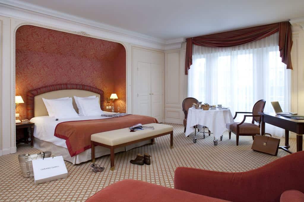 hotel-piscine-couverte-moins-2h-paris-loiret