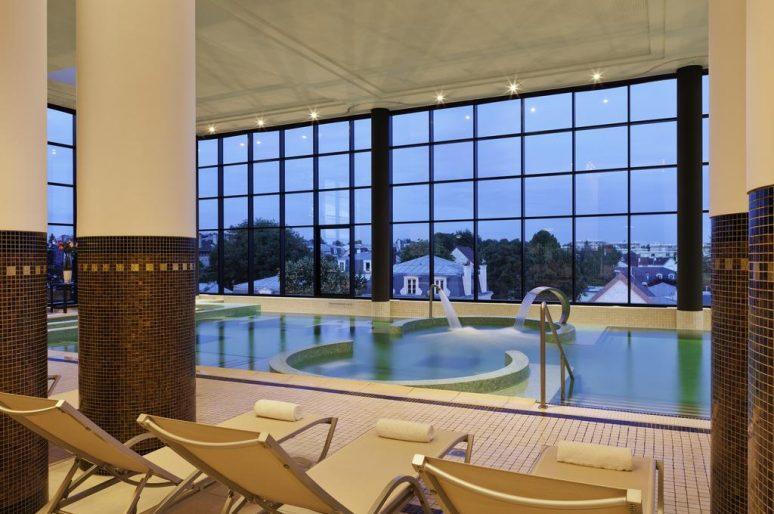 Hôtels et chambres d'hôtes avec piscine intérieure à moins de 2h de Paris
