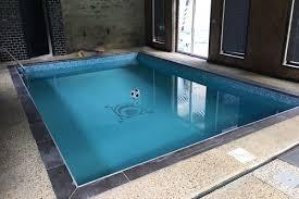 piscine-couverte-maison-hotes-une-heure-paris