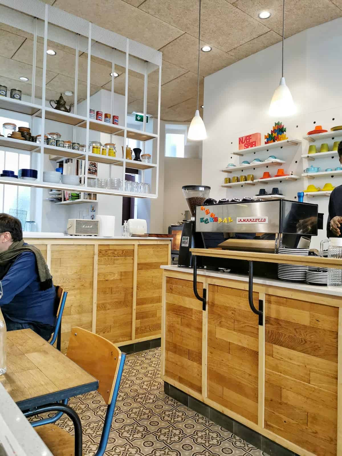 the-kursaal-coffee-shop-wifi-restaurant-paris-12-eme-metro-nation