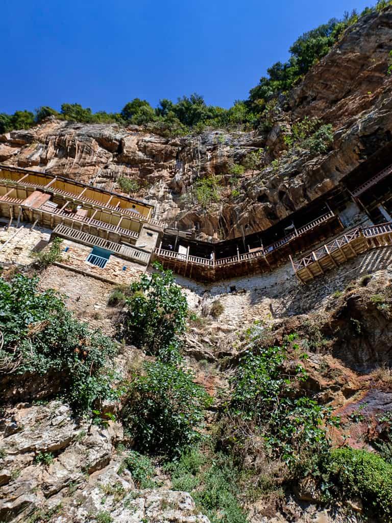 monastere-peloponnese-rooad-trip-2