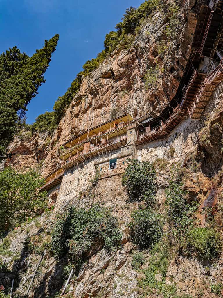 monastere-peloponnese-rooad-trip