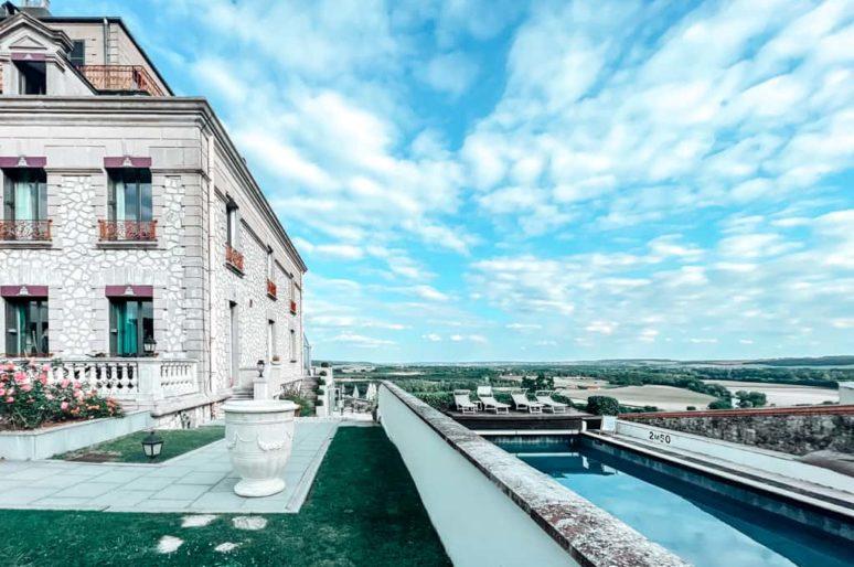 Hôtel avec piscine, spa et restaurant étoilé à moins d'une heure de Paris : le Domaine de la Corniche