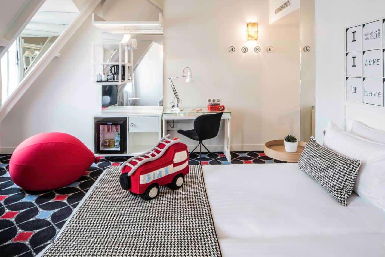hotel-kids-friendly-paris-famille-joke-astotel-famille
